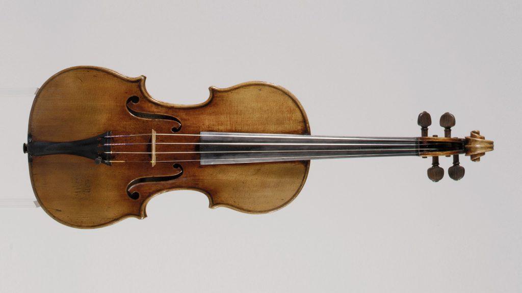 """Antonio Stradivari's """"Antonius"""" violin (1711) (c) Metropolitan Museum of Art, licensed under the create commons license"""